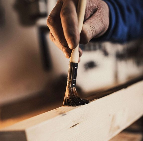 aus-liebe-zum-holz-marco-malik-jobs-malerarbeiten