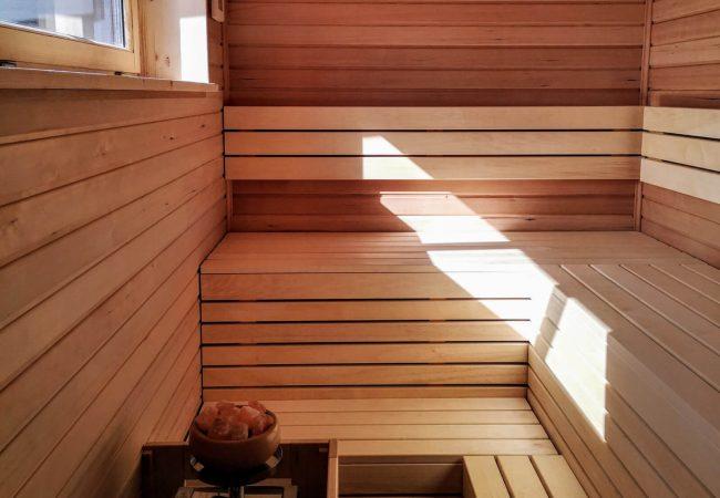 aus-liebe-zum-holz-sauna-01